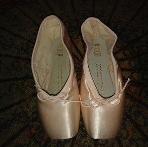 2.5B Block Serenade Pointe shoes